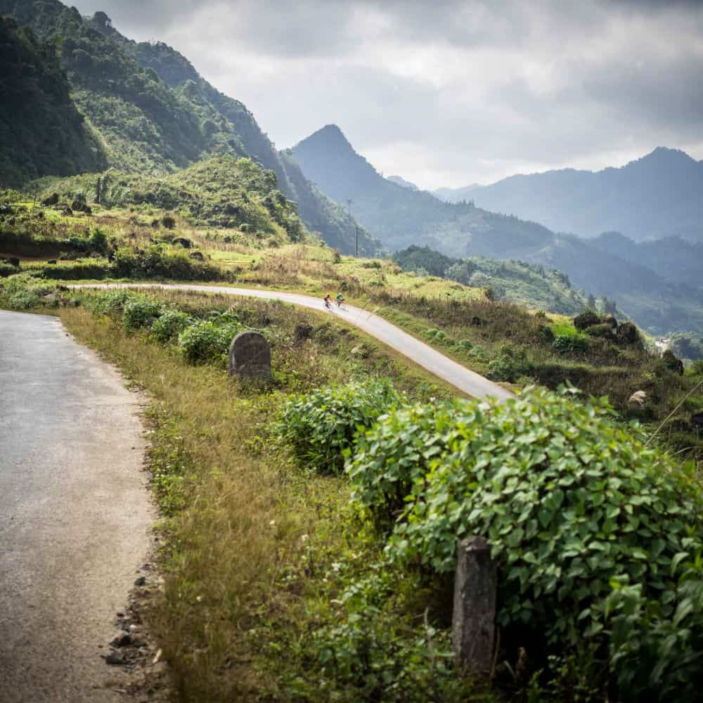 exploring Vietnam by bicycle tour