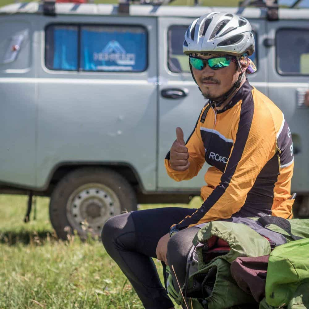 Mongolian cycling guide