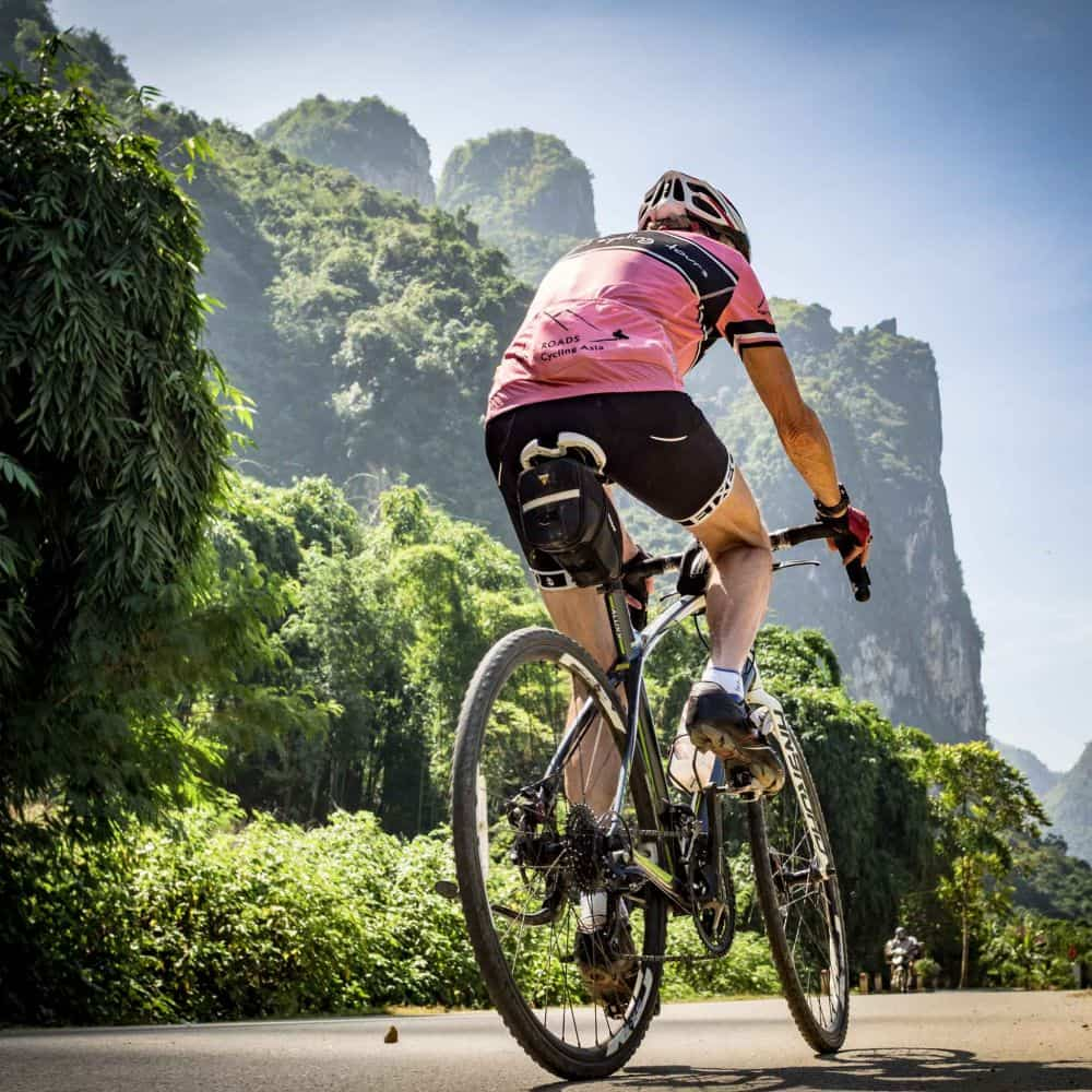 Cyclist on tour in Vietnam