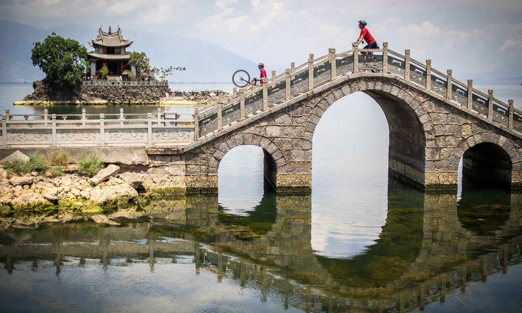Guided cycling tour in Yunnan