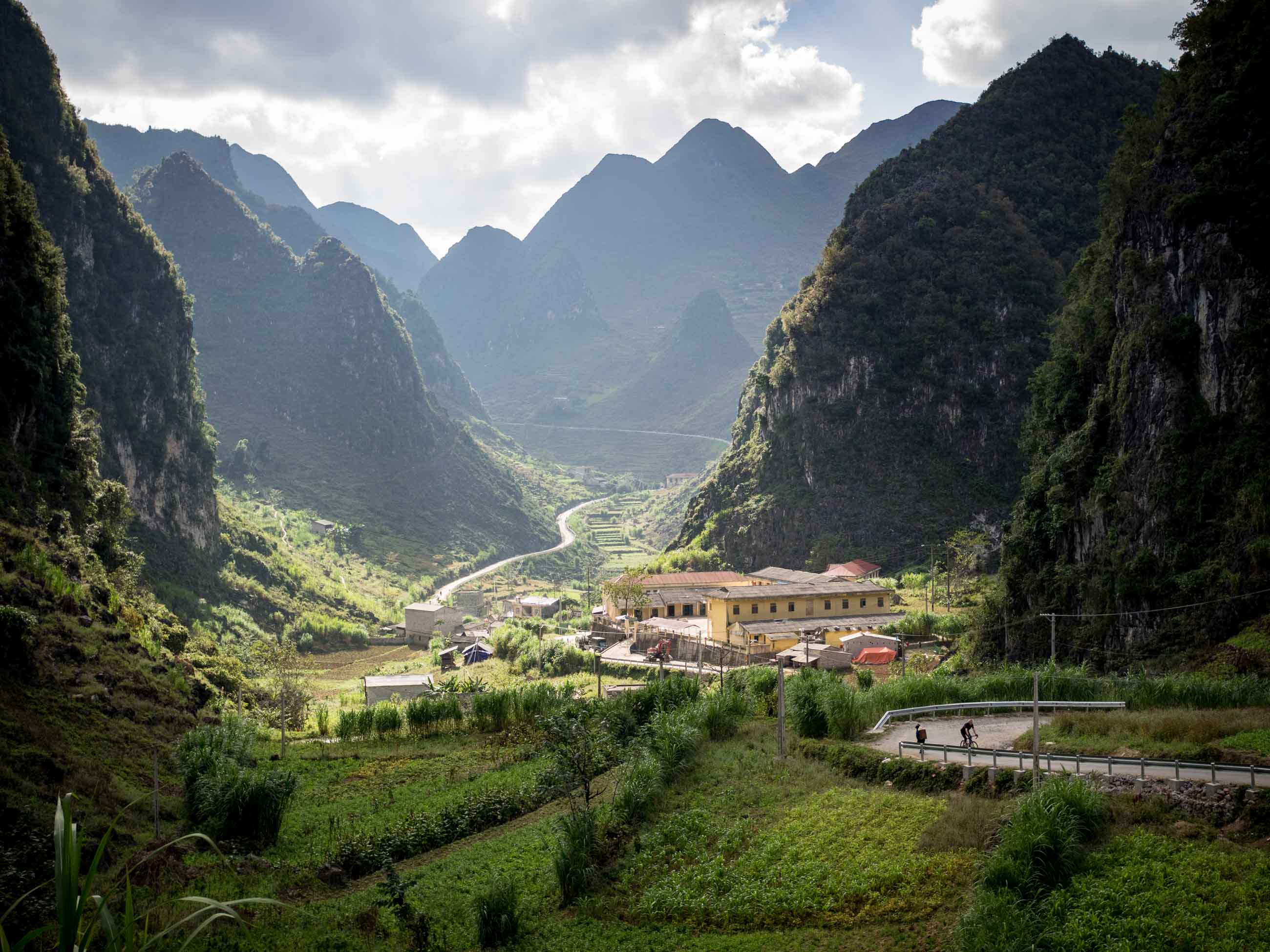 Vietnam cycling holidays banner image