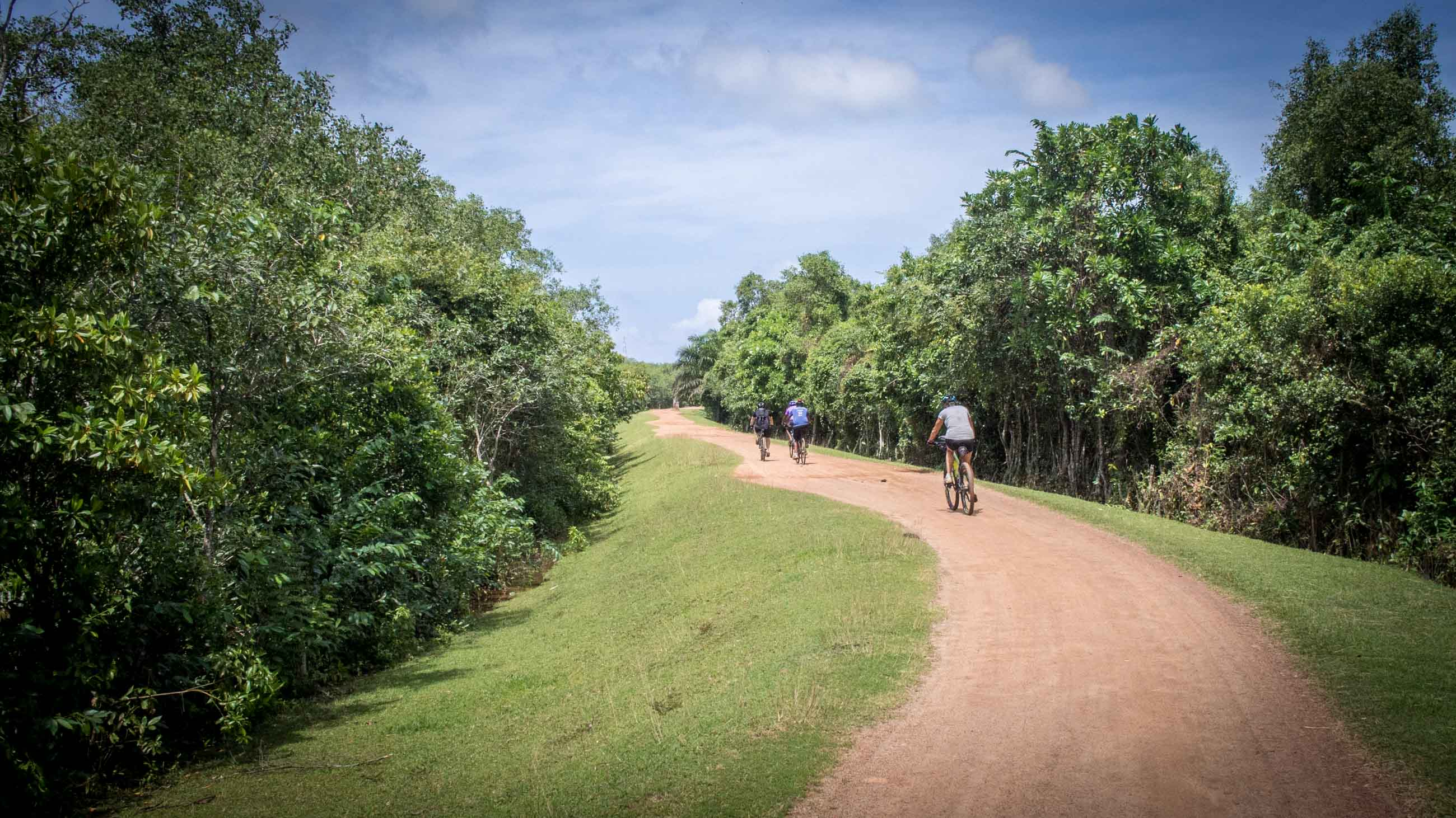 Cycling tour holiday in Sri Lanka